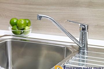 Cách vệ sinh vòi rửa chén inox 304 đơn giản nhưng hiệu quả
